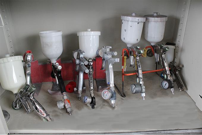 BODYSHOP荒井の品質確保の塗装スプレーガン